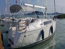 neugebautes Bavaria 33 Segelboot